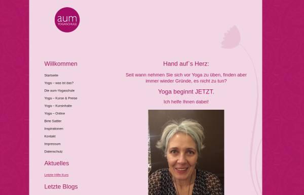 Vorschau von aum-yogaschule.de, AUM Yogaschule Wiesbaden